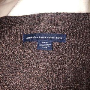 Small American eagle burgundy sweater